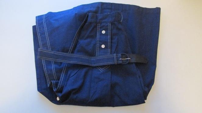 Vintage blue skrit with original belt!